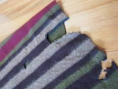 穴ぼこだらけの毛布